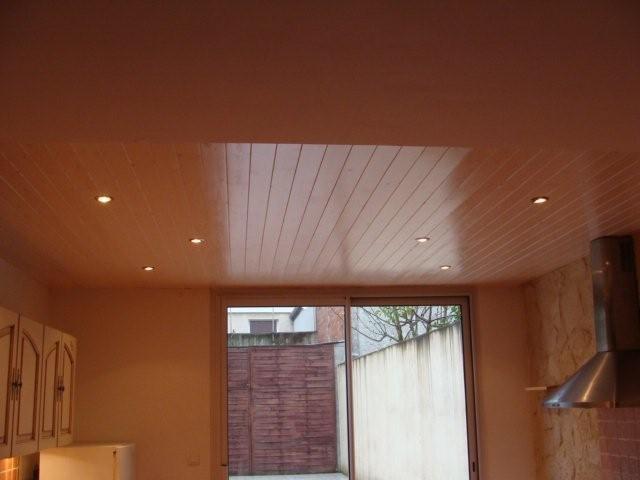 Faux plafond pvc pour salle de bain for Plaque pvc salle de bain